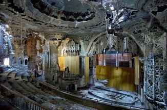 The-Ruins-of-Detroit-2-Yves-Marchland-Romain-Meffre