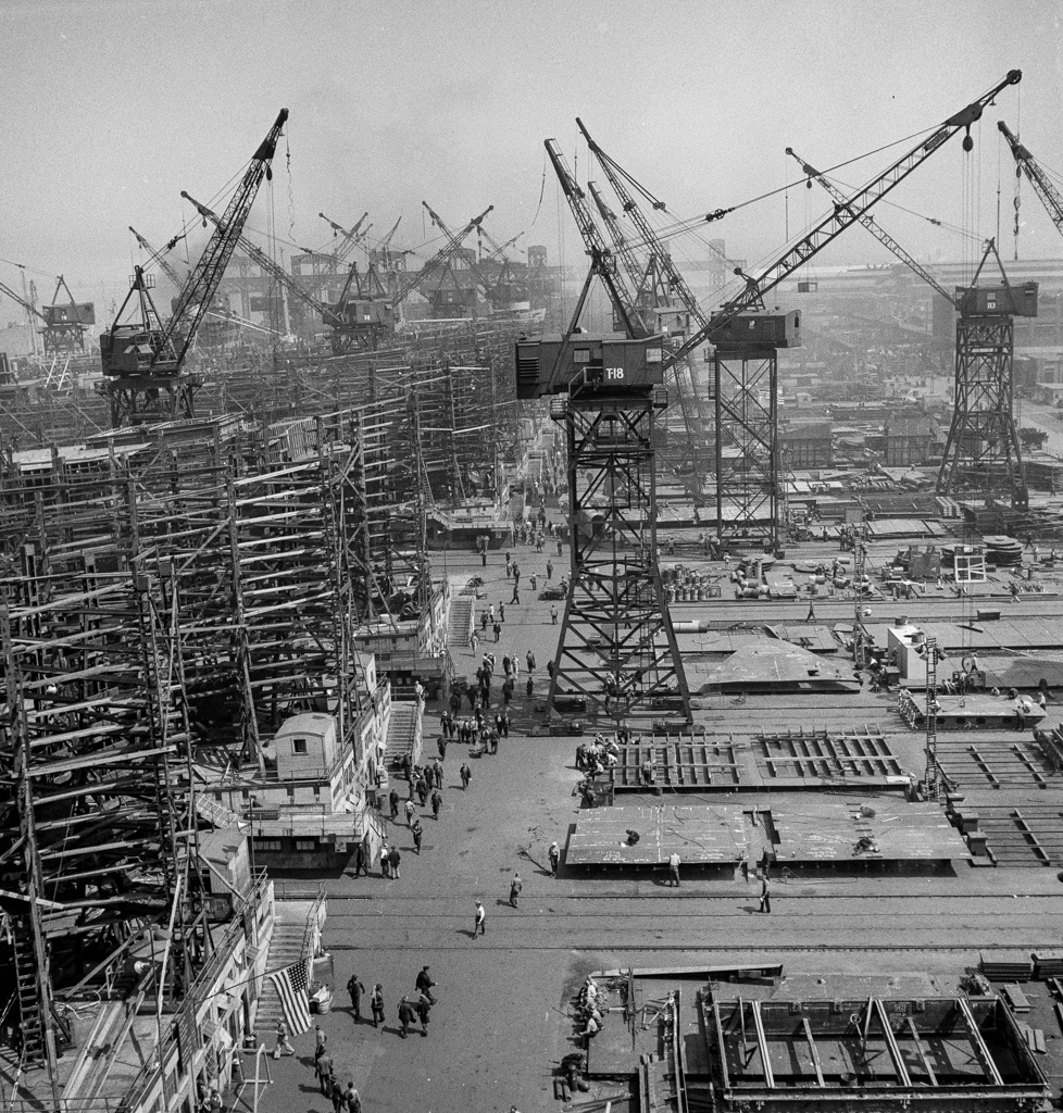 Bethlehem-Fairfield shipyards, Baltimore, Maryland. A shipyard with a crane