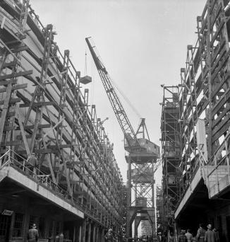 Bethlehem-Fairfield shipyards, Baltimore, Maryland. General view between the ways