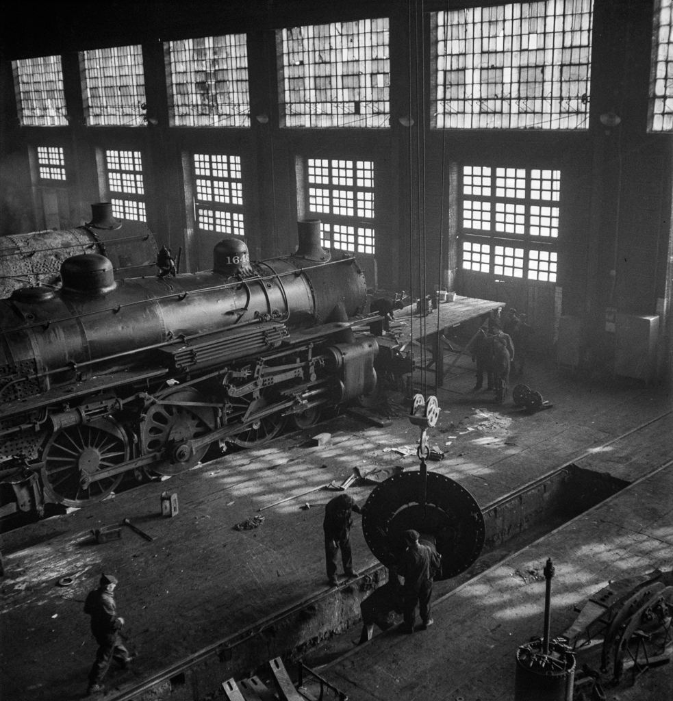 Chicago, Illinois. In the Chicago and Northwestern Railroad repair shops 8bit