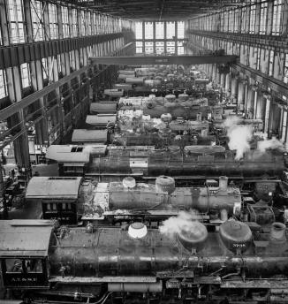 San Bernardino, California. A general view in the Atchison, Topeka, and Santa Fe Railroad locomotive shops