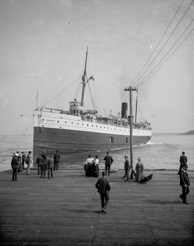 Steamer Monitou at dock, Mackinac Island, Mich
