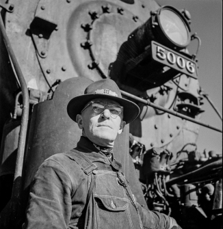 Vaughn, New Mexico. Head brakeman Thomas H. Knight of Clovis, New Mexico about to leave Atchison, Topeka and Santa Fe Railroad yard on the return trip
