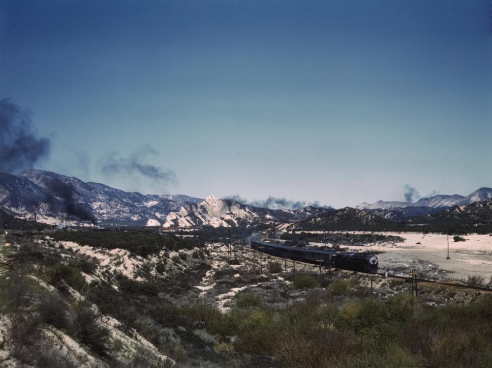 Santa Fe R.R. trains going through Cajon Pass in the San Bernardino Mountains, Cajon, Calif._