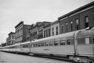 Streamlined train, La Crosse, Wisconsin-4